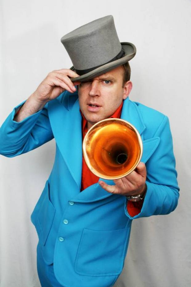 Pun-tastic funny man Tim Vine brings 'chat show' to stage