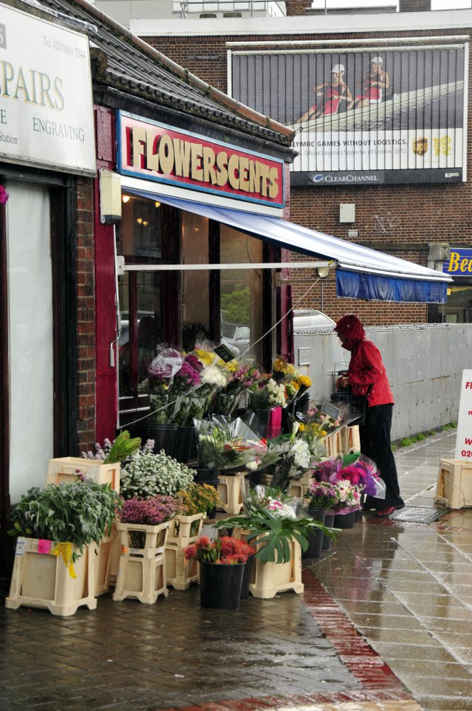 Flowerscents has been given special dispensation within the boundaries of the no-street-trading area, because it trades on Network Rail land