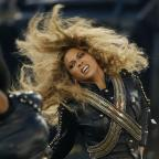 Kingston Guardian: Beyonce almost fell on stage at the Super Bowl - but recovered flawlessly